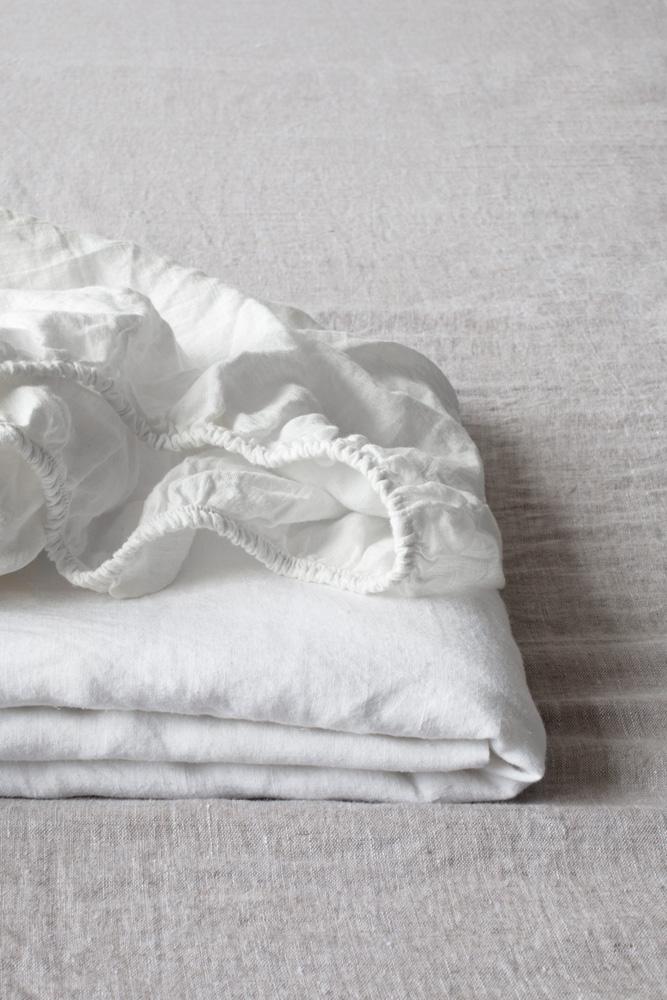 dra-på-lakan linne vitt